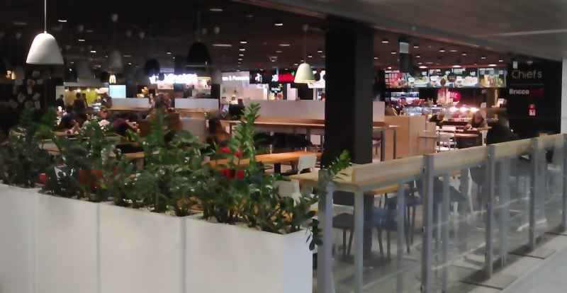 Restaurants, bars, self-service cafes: Chiefs. Chopin Airport, Warsaw